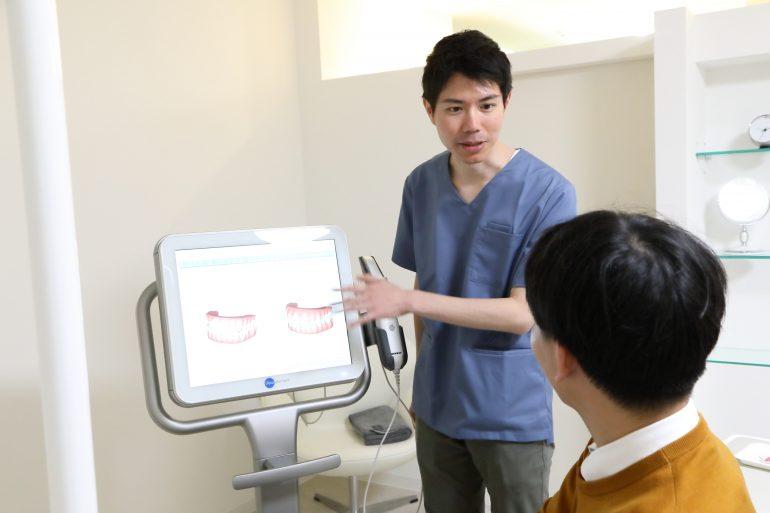 iTeroを使用して、インビザライン の診断を行なっています。